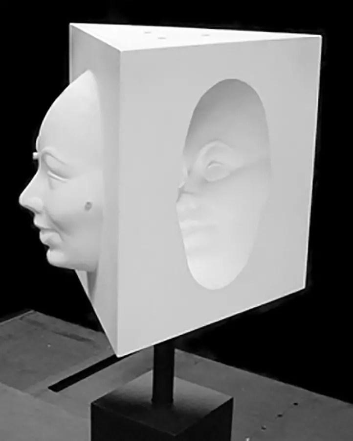 Un bloque de máscara hueca utilizado para distintas experimentaciones.