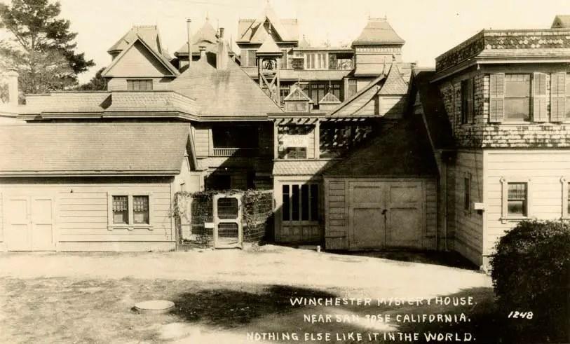 Parte trasera de la mansión de la viuda Winchester,.