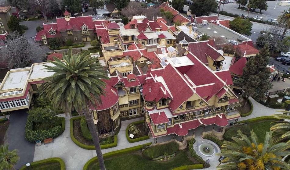 Vista aérea de la mansión Winchester en el año 2018.