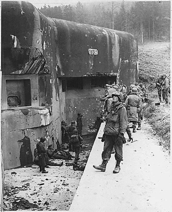 El exterior de uno de los tantos búnkers de la Línea de Maginot.