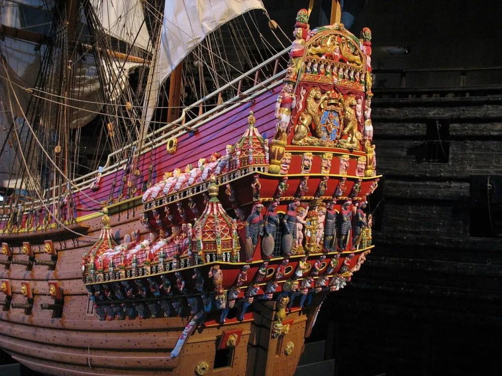 Retoque digital de la Vasa en la cual vemos los colores originales del navío.