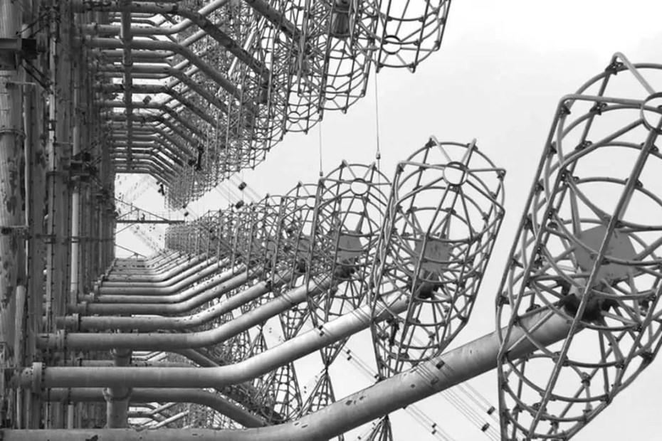 Detalle de los receptores de la antena soviética Duga-3.