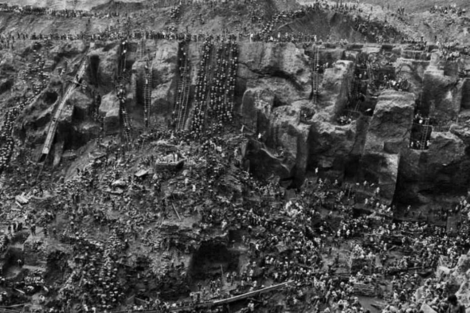 Fotografía aérea de la frenética fiebre del oro de 1983 en Brasil.