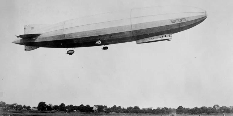 La primera linea aérea comercial de la historia, la DELAG