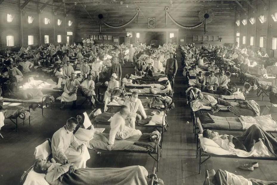 Hospitales de campaña durante la gripe española de 1918.,