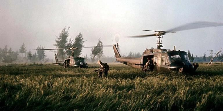 El piloto que intentó frenar la Masacre de My Lai en Vietnam