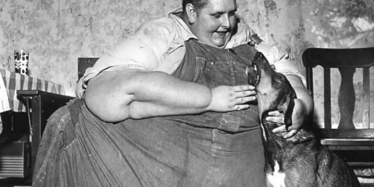 Jon Brower Minnoch, el hombre más gordo en la Historia