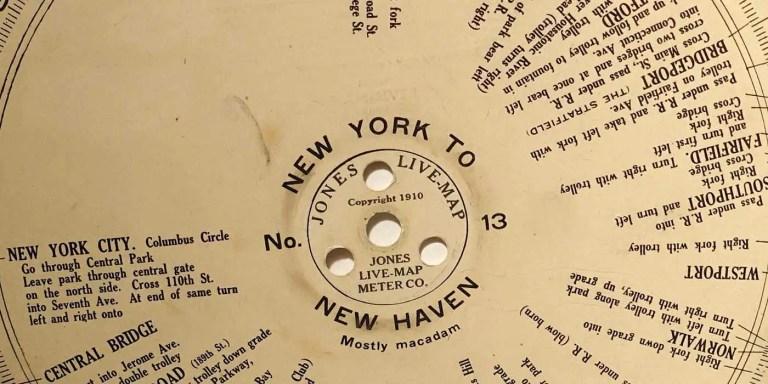 Detalel de uno de los discos de Jones Live Map, el ancestro del GPS.