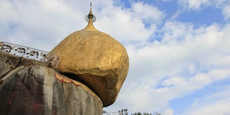 La pagoda en equilibrio de Kyaikhtiyo .