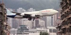 El aeropuerto internacional de Kai Tak se volvió en toda una atracción turística en sí misma.
