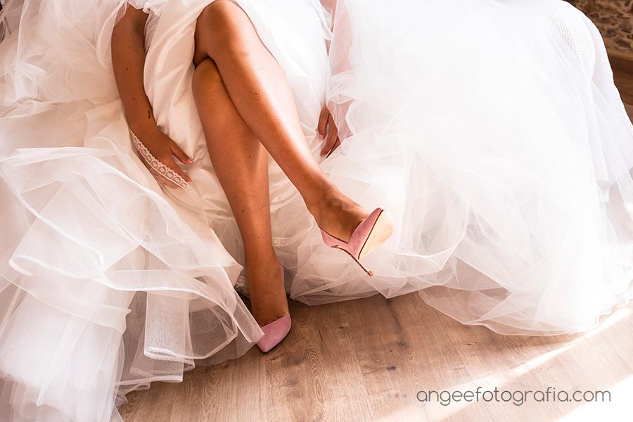 Preparativos de la novia. Boda Raquel y Jorge. Zapatos e novia