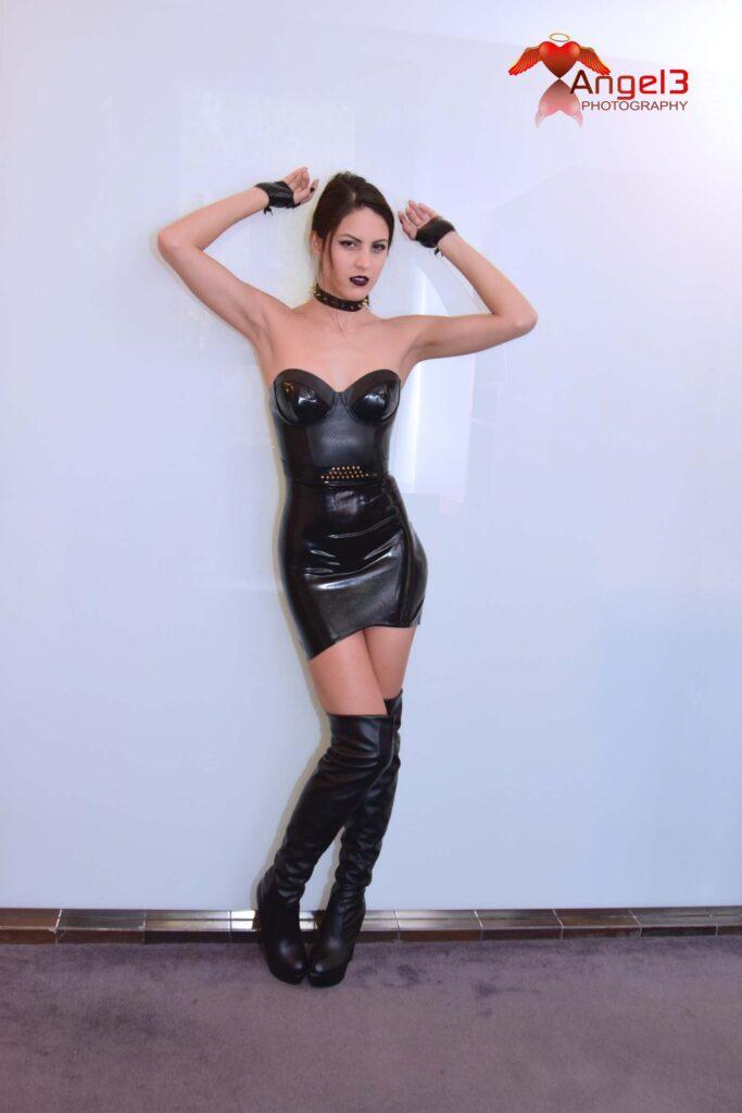 Mistress Carolina Abril Angel3