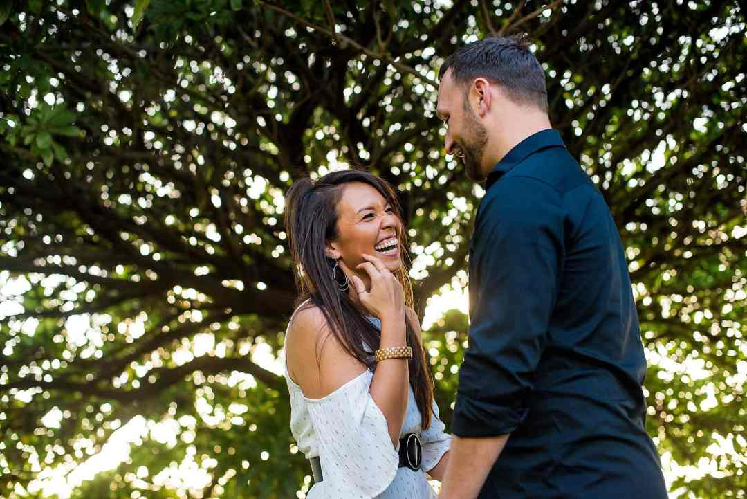 engagement photos in maui, hawaii