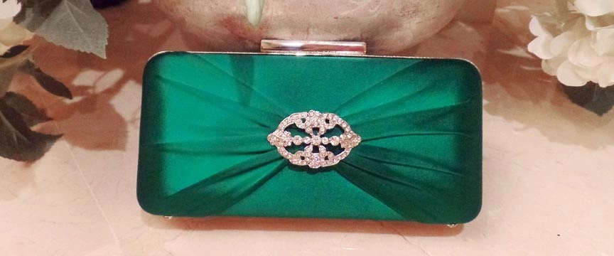 Hedy emerald Lamour brooch