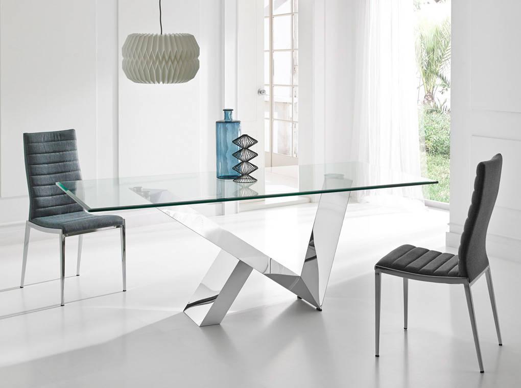 Mesa de comedor con tapa de cristal templado  Angel Cerd