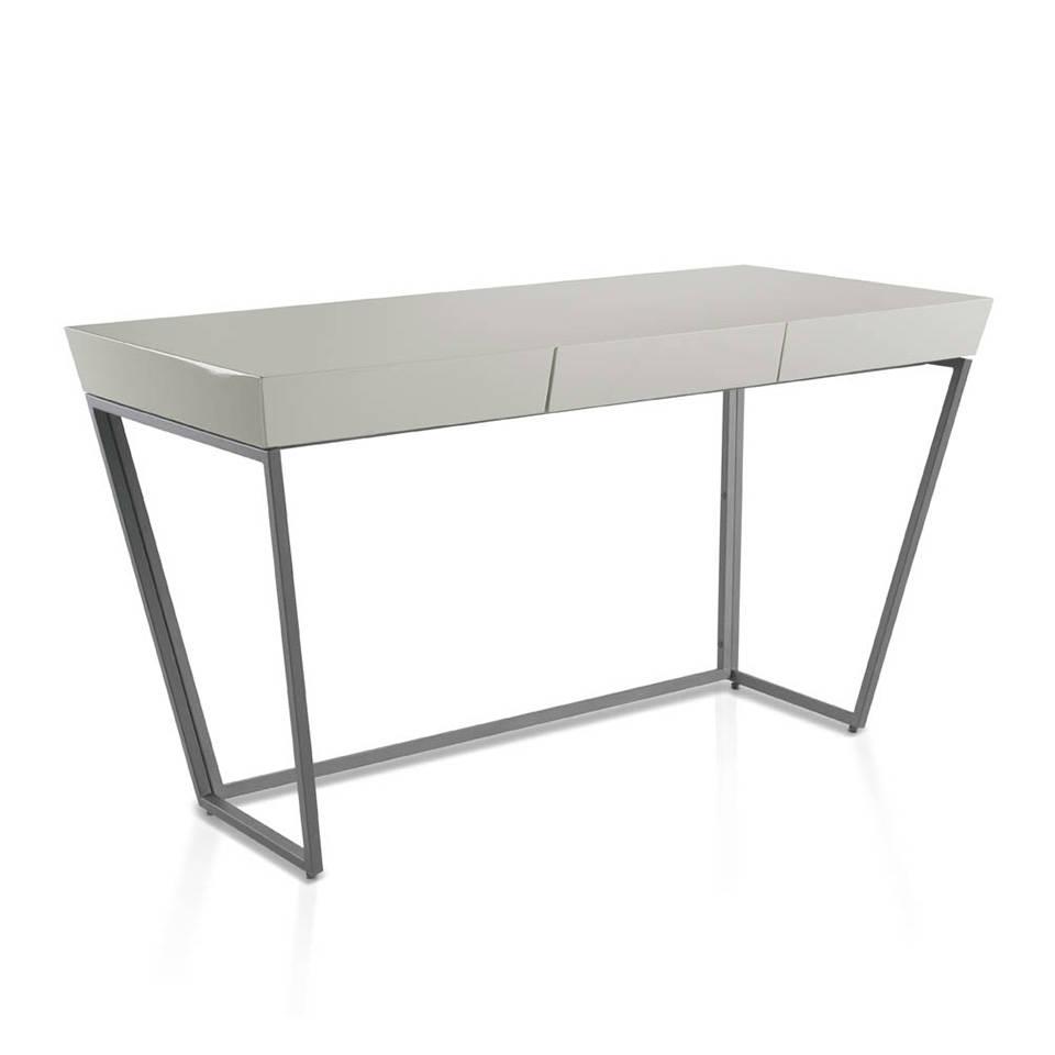 es escritorio de oficina en dm lacado con estructura de acero negro en office desk with laquered mdf top and black steel frame fr bureau