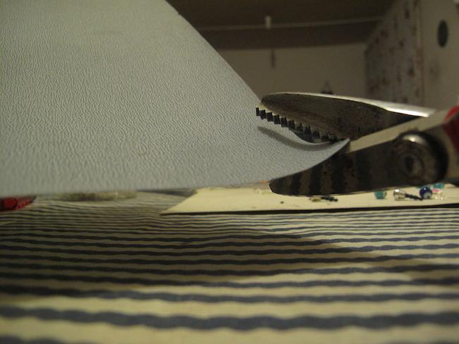 Mantener afiladas nuestras tijeras para manualidades es muy fácil con este consejo.