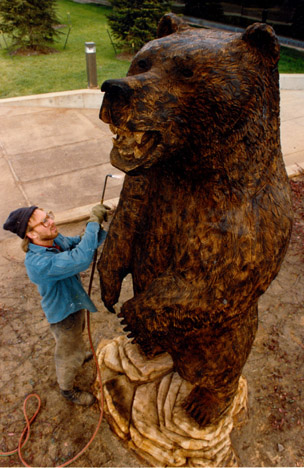 Chainsaw Carving chainsaw carved bear bear carving