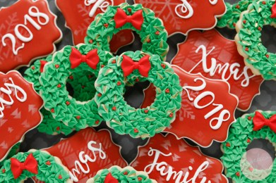 Christmas Wreath Decorated Cookies