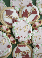 Destination Wedding / Globe Cookies