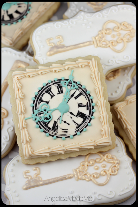 Alice in Wonderland / Clock and Key Cookies