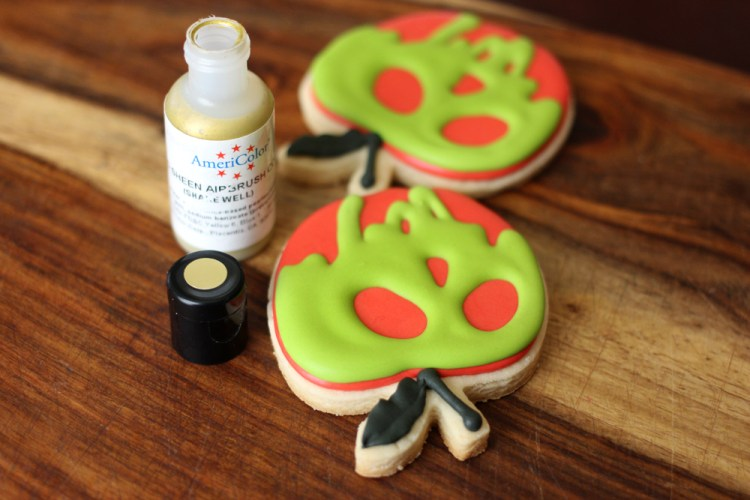 Poison-Apple-Sugar-Cookies-04