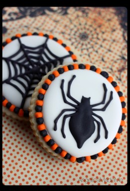 Halloween-Spider-Web-Sugar-Cookies