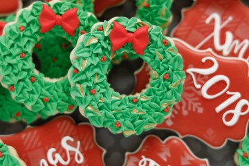 Christmas Wreath Cookies Feature