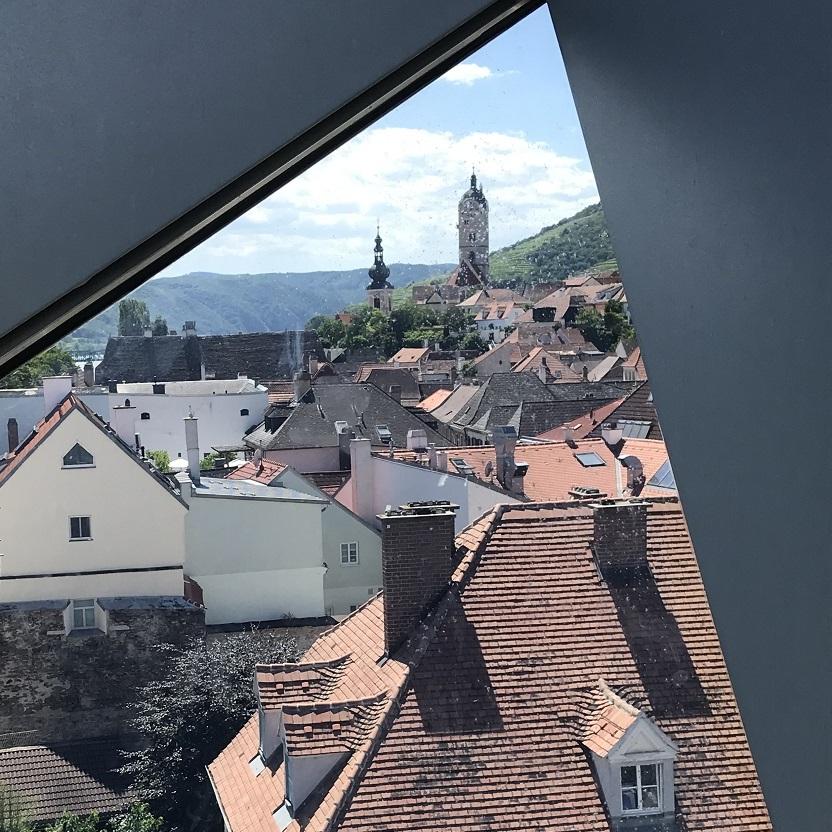 Blick von der Landesgalerie nach Stein