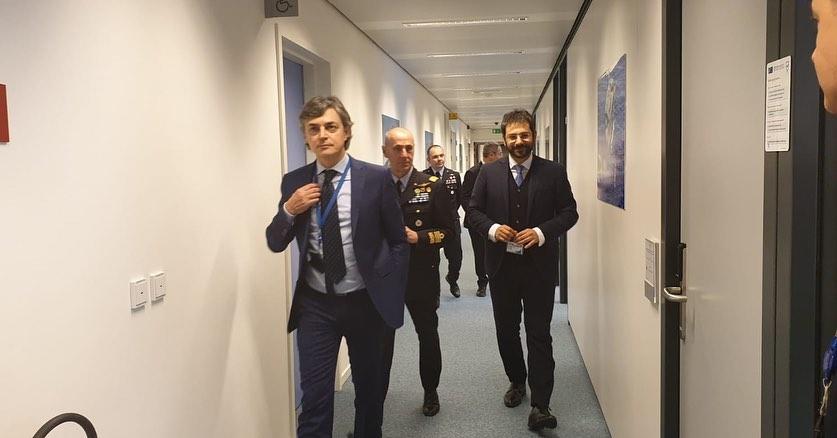 Angelo-Tofalo-fa-Visita-alla-sede-NATO