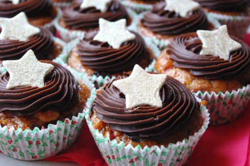 christmas fruitcake cupcakes chocolate ganache icing sugar paste stars