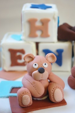 chocolate cake, sugarpaste bears, blue and brown