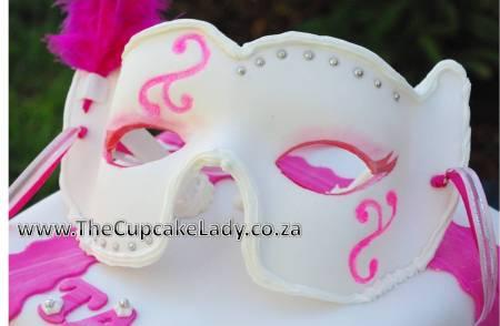 sugarpaste, fondant, mask, pink, white, silver, masked ball, masquerade, feathers