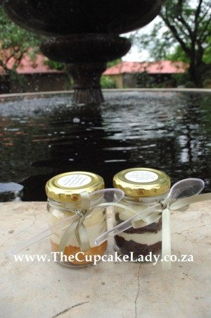 cupcake-in-a-jar, wedding favour