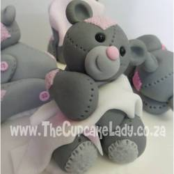 sugar paste, fondant, cake topper, hand made, bear, pink and grey, blanky snuggling