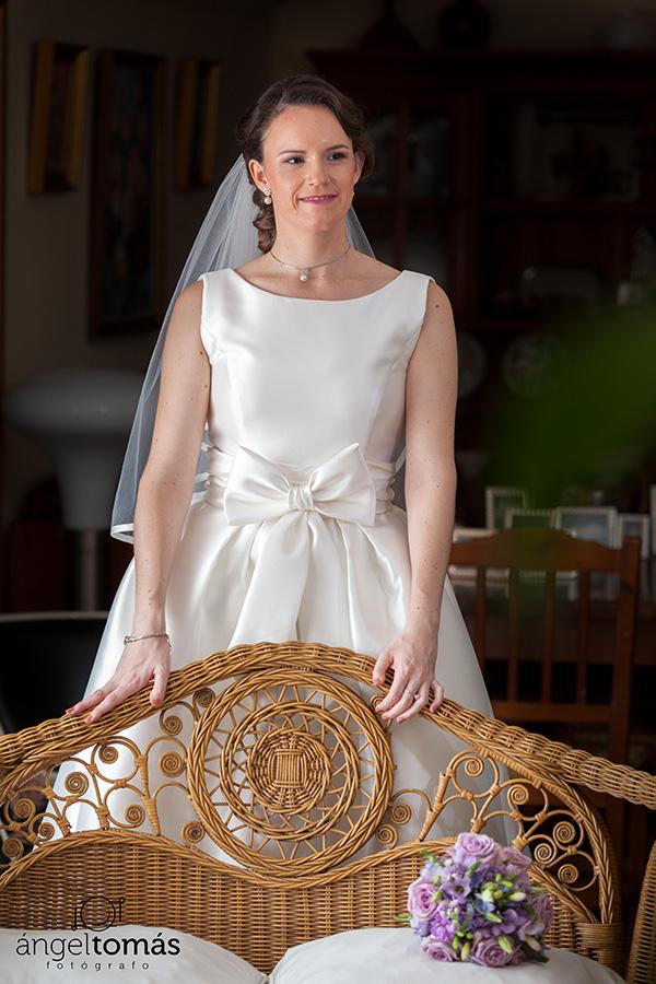 Reportaje fotografía de boda realizado en Cuenca por Ángel Tomás Fotógrafo de bodas. Novia