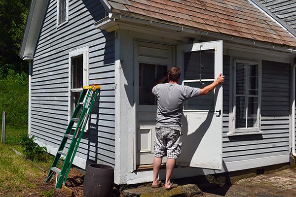 Removing Storm Doors