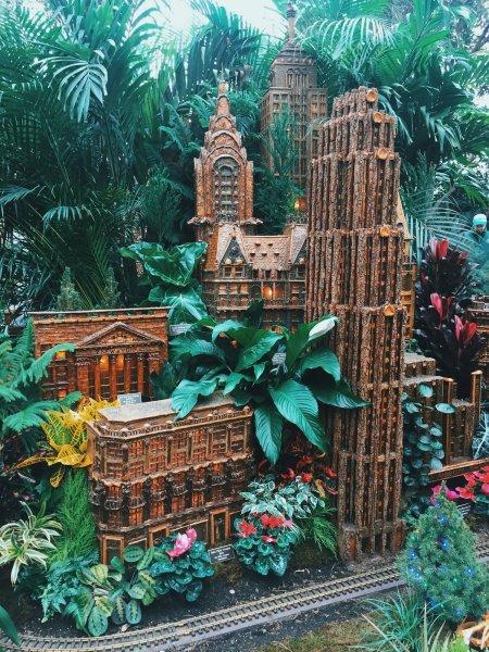 The New York Botanical Garden Train Show - Peaches + Salt