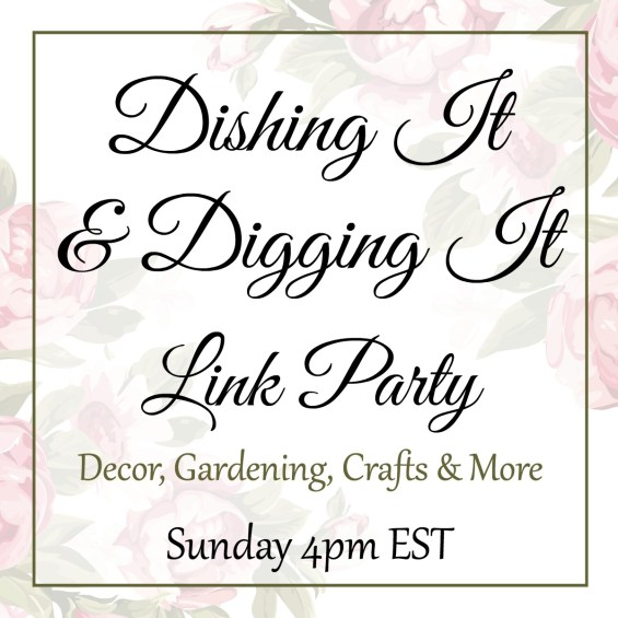 Dishing It & Digging It Logo | angiethefreckledrose.com