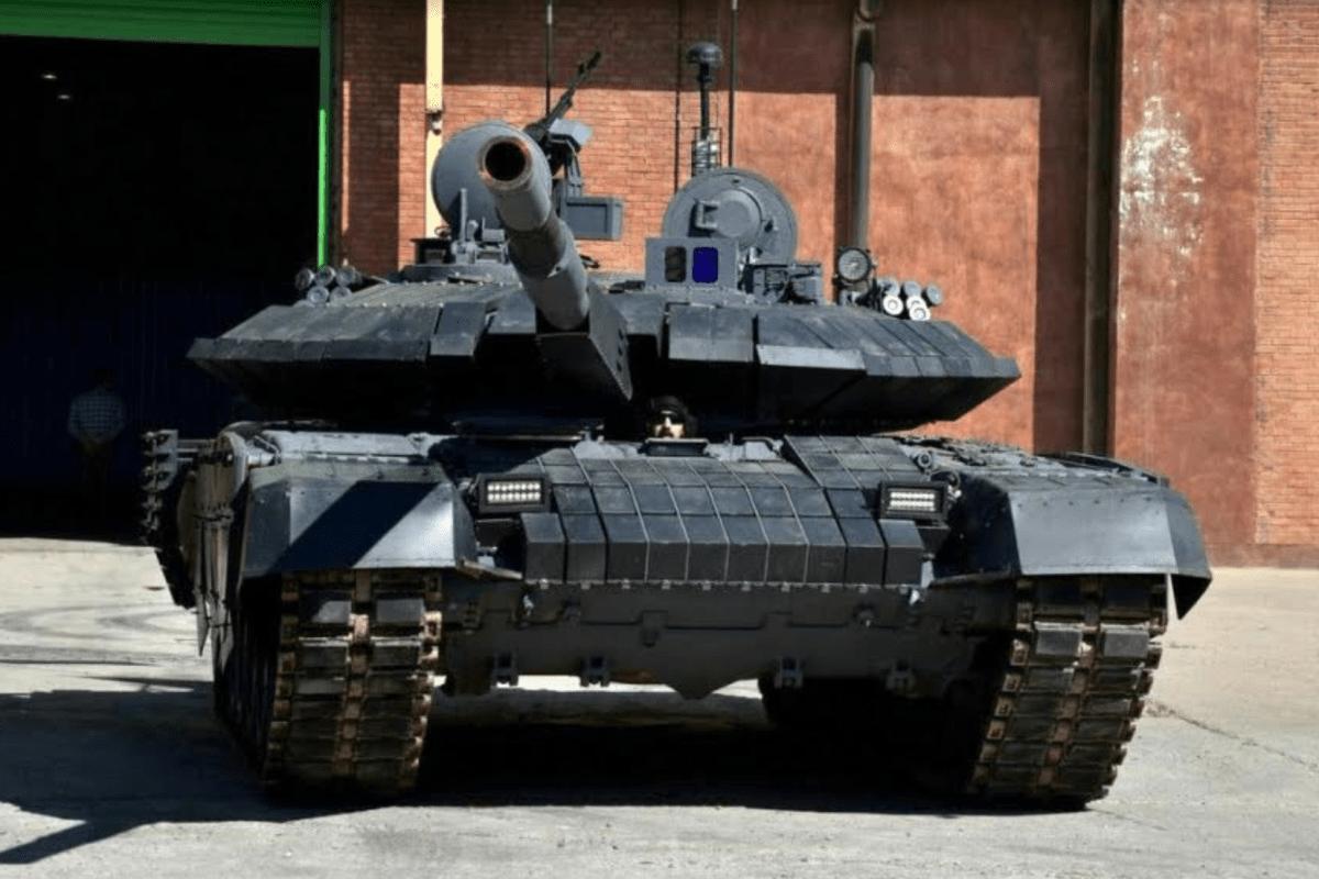 Garda Revolusi Iran Akan Diperkuat 800 Tank Tempur Utama Karrar