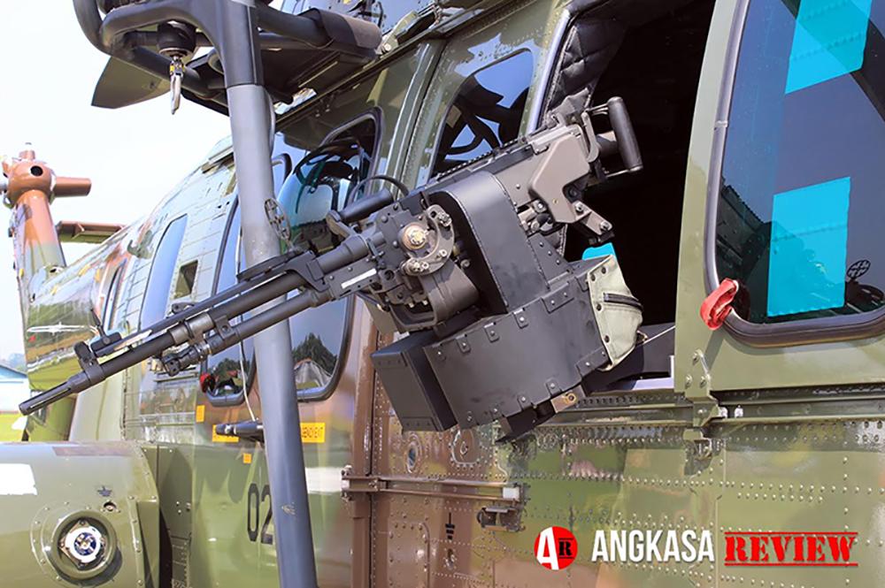 Menyaksikan Heli Caracal Bersenjata di Open Base Lanud ATS