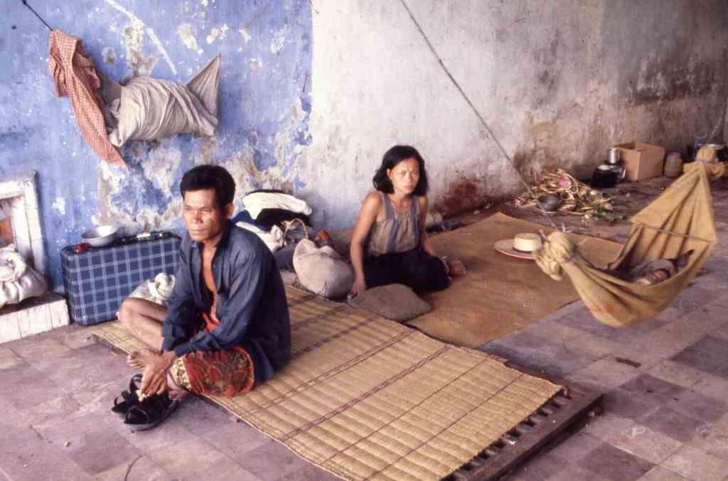 Khmer family © John Burgess