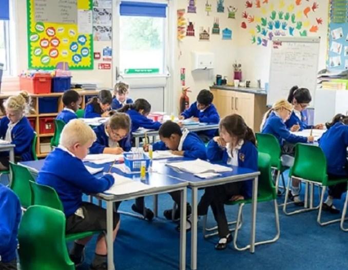 Szeretünk Angliában iskolába járni!