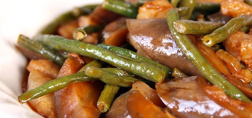 Eggplant and String Beans in Tomato Sauce