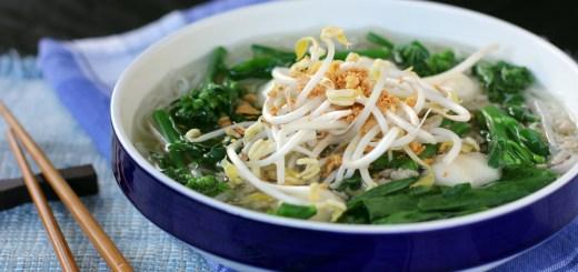 Kway Tiew Nahm Sai (Clear Noodle Soup)