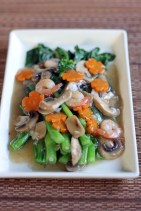 Choysum in Shrimp and Mushroom Sauce 1