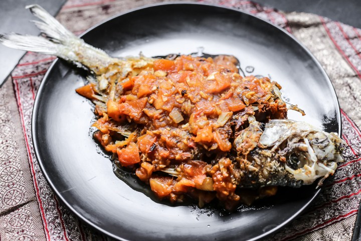 Fried Fish in Tomato Sauce - Ca Chien Sot Ca Chua Wide