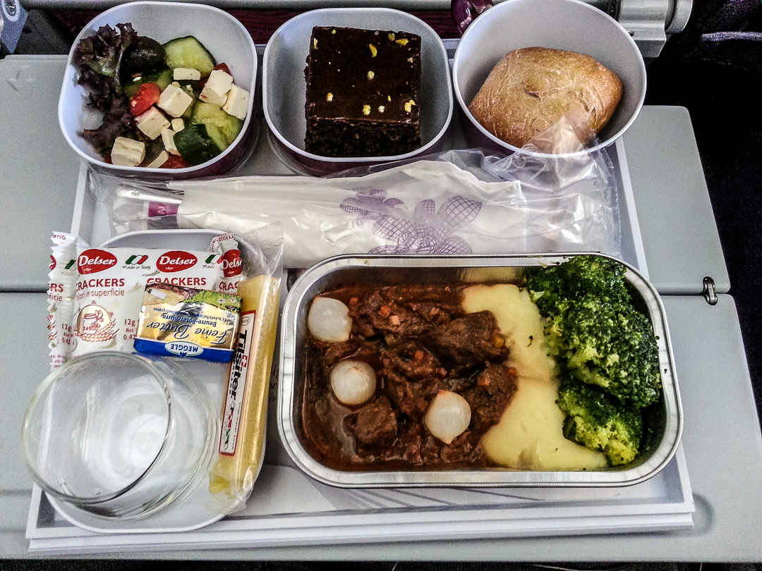 You know it s a long flight if you are having 6 meals in a for Air thai cuisine