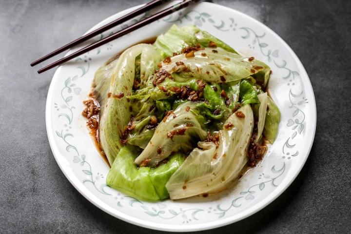 lettuce-garlic-oil-wide