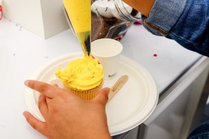 taste-of-auckland-cupcake-decoration-02